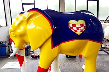 Neulackierter Elefant der Stadt Hamm bei der Autolackiererei Wirtz.