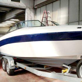 Neu lackiertes Boot in der Autolackiererei Wirtz in Hamm.