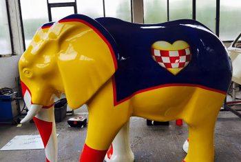 Lackierung des Elefanten der Stadt Hamm in der Autolackiererei Wirtz in Hamm.